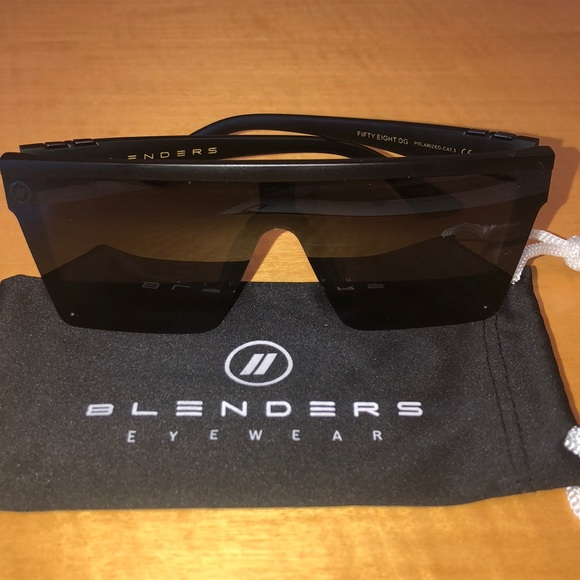 1305f5571b309 Blenders Eyewear Other - Black polarized sunglasses NEW